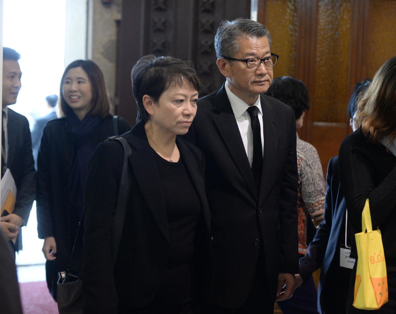 財政司司長陳茂波伉儷出席儀式。