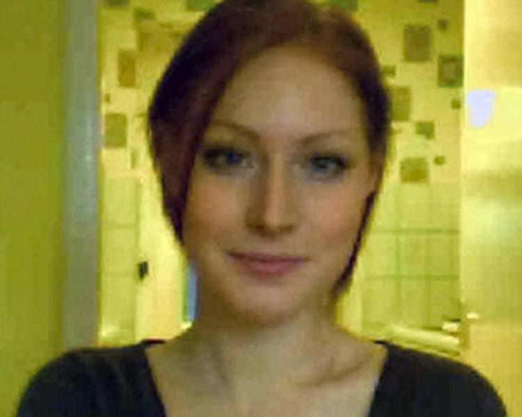 已婚音乐女教师索夫特雷(Laurie Softley)样子甜美有气质。网图