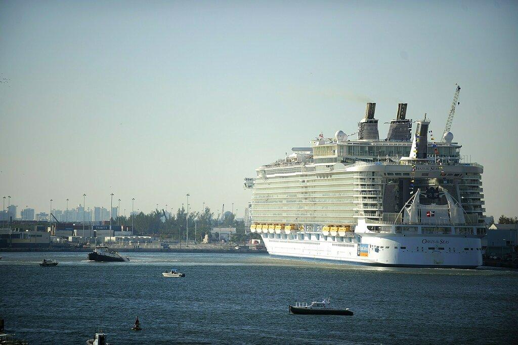 皇家加勒比邮轮海洋绿洲号277人染诺如病毒。图片