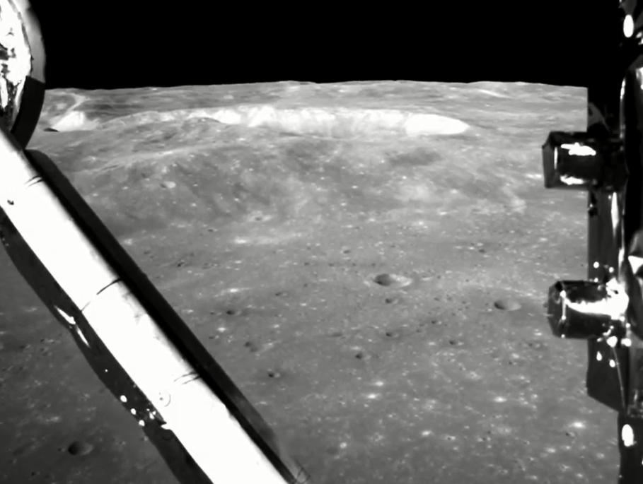 今日(11日)中國國家航天局首次公布了嫦娥四號著陸月球背面的影片。新華社