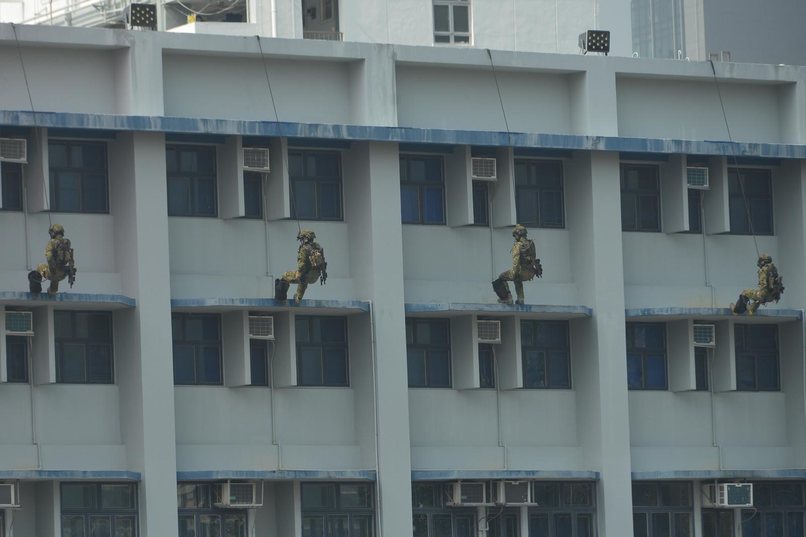 活動高潮是反恐特種部隊障礙挑戰賽及模擬反恐演習。