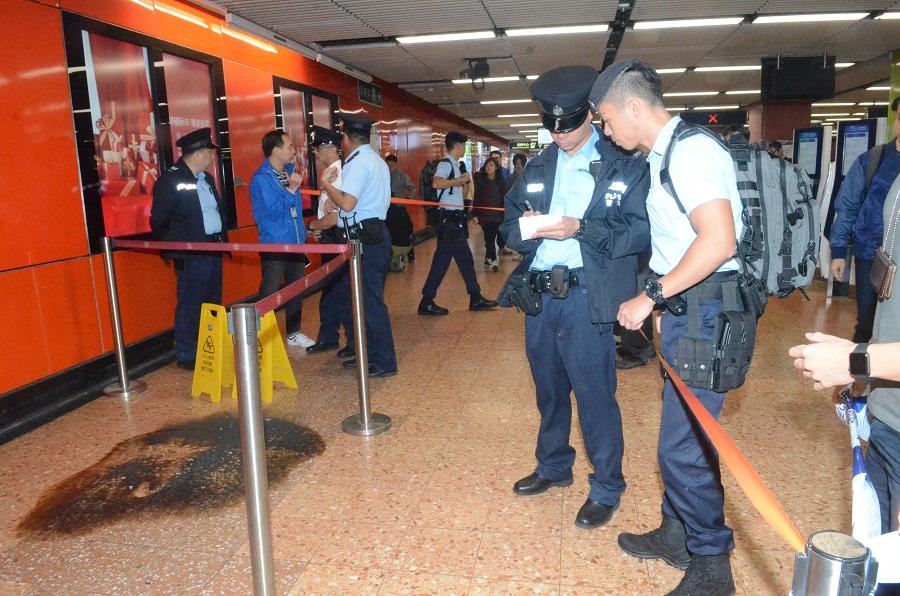 警方鐵路應變隊首次出動前往處理案件。