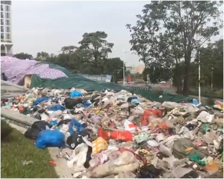 街道辦負責人回應已做好除臭及遮蓋好垃圾。網圖