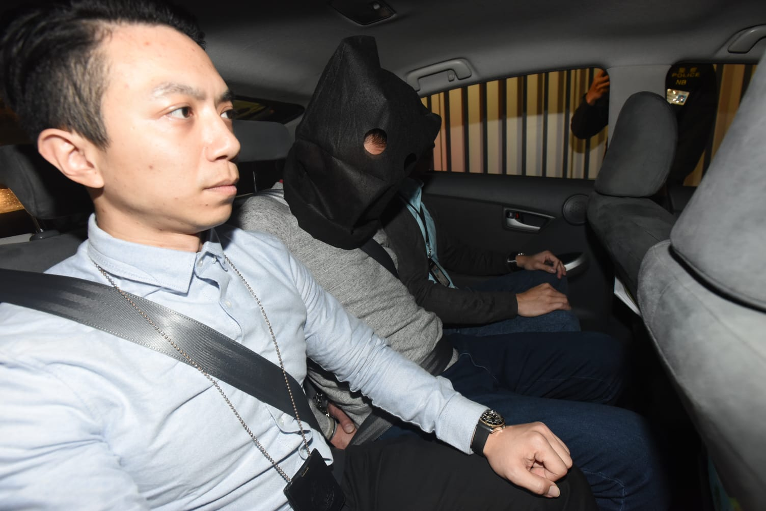 警方拘捕2名疑犯。