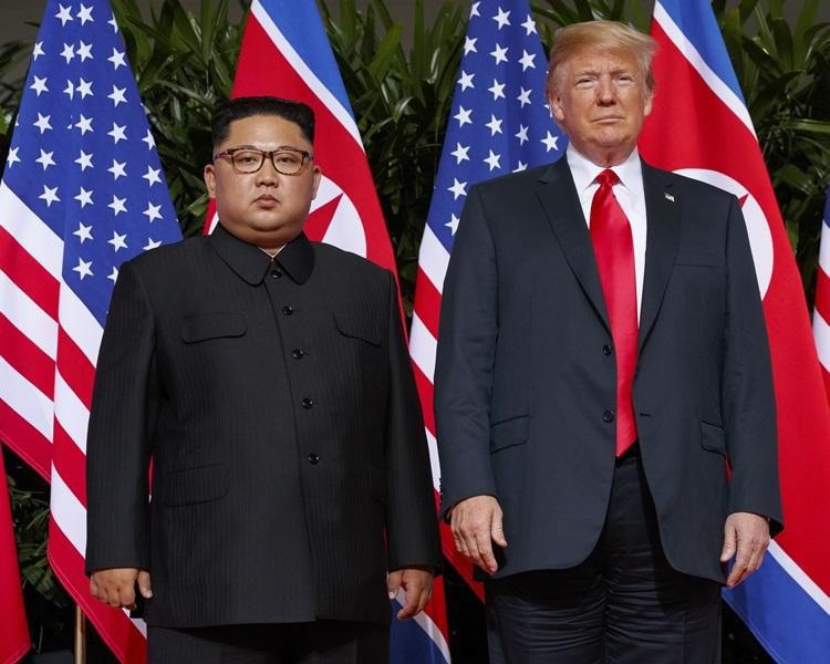 左起:金正恩、特朗普。
