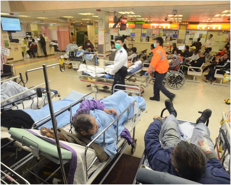 公立醫院急症室昨日(15日)有6455人次求診。 資料圖片