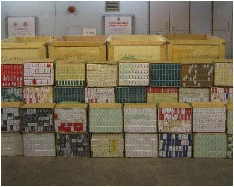 海关展示检获的私烟。图:政府新闻处