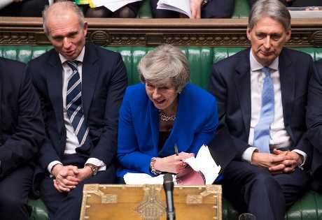 文翠珊(中)在表决结果出炉后表示,会继续努力达成对人民的承诺,实现人民公投脱欧的决定。