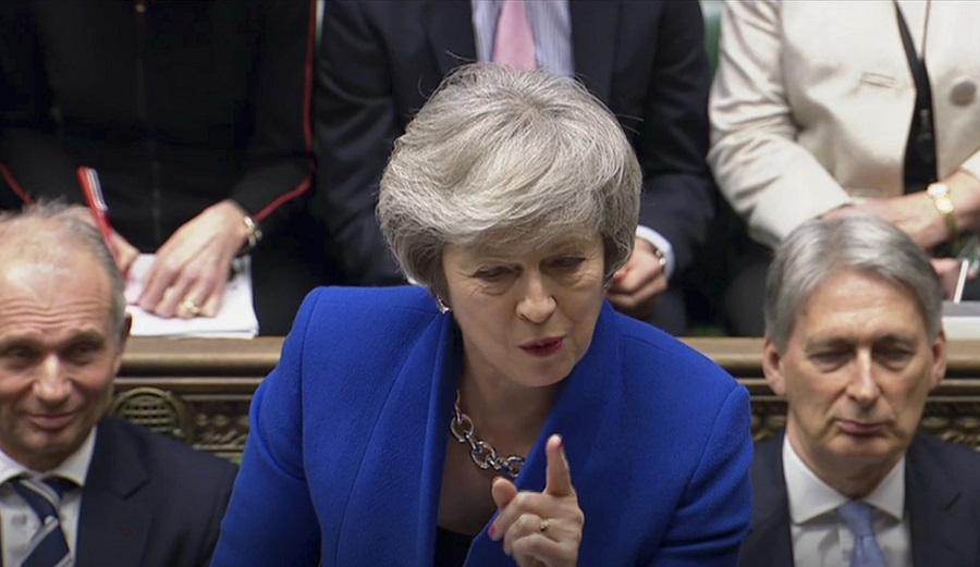 下议院否决对文翠珊政府的不信任动议。美联社