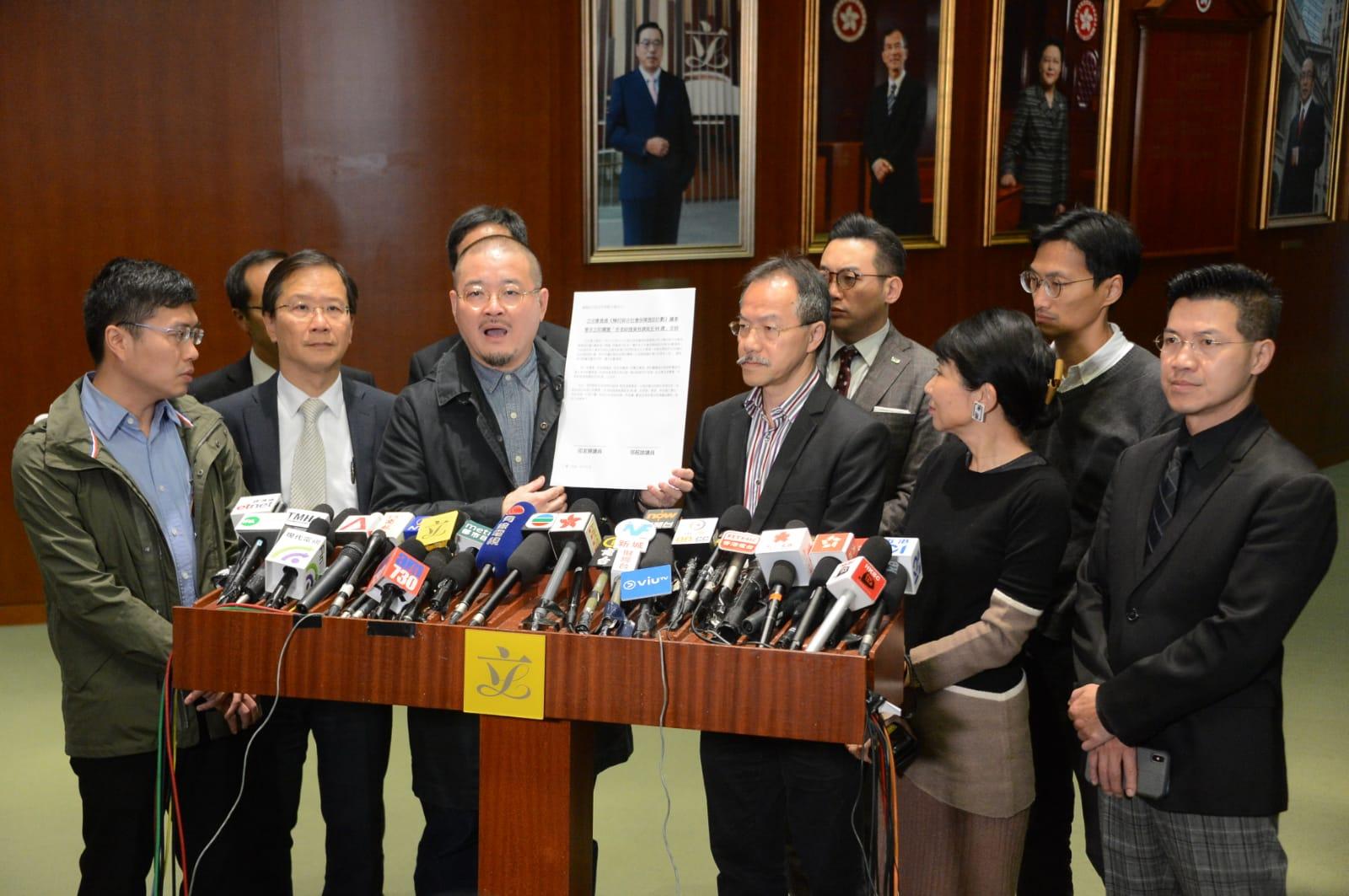 邵家臻说,期望政府正视立法会的声音。