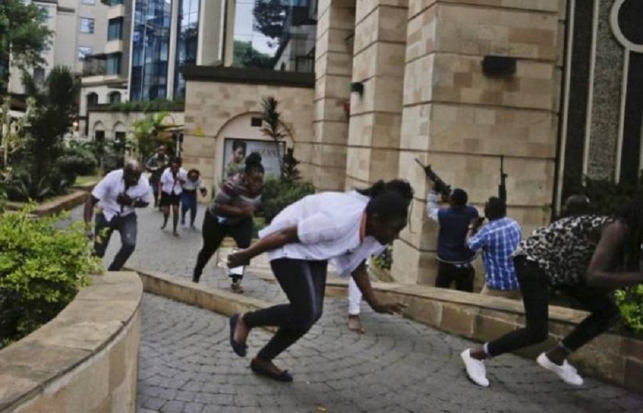 肯尼亚首都内罗毕前日发生的酒店袭击事件,死亡人数增至21人。网上图片