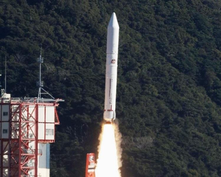日本今发7杖火箭卫星,可望製造人工流星。网图