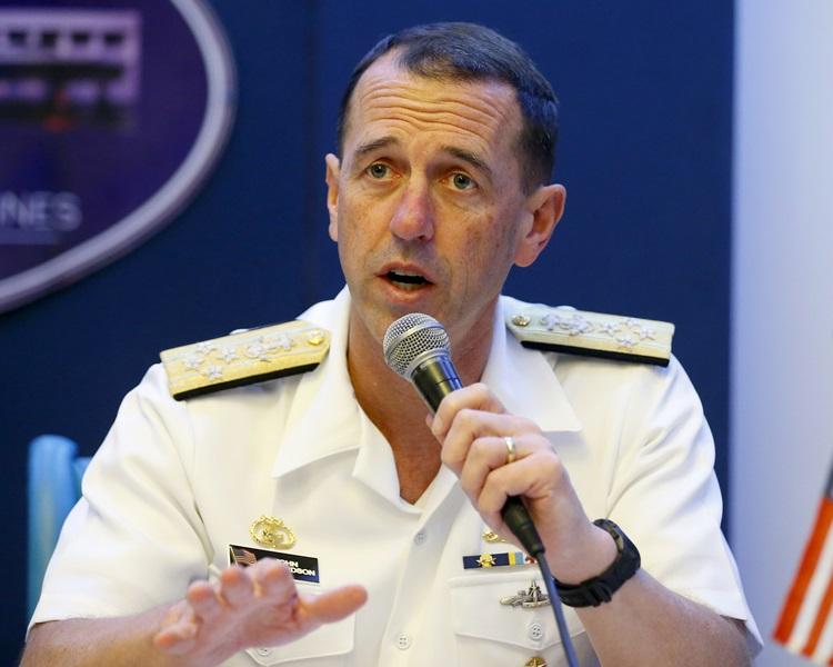 美国海军作战部长理查森(John Richardson)。