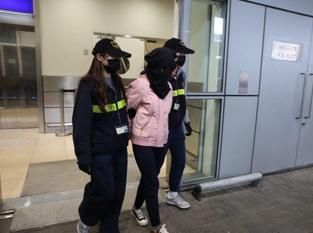 一名女子涉案被捕,现正保释候查。