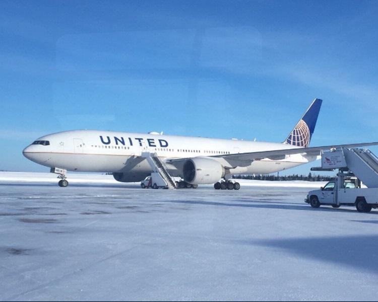 因有乘客不適,飛機須緊急降落加拿大紐芬蘭。Twitter