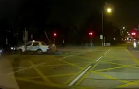 的士司机逃离现场。Linda Hui fb片段截图