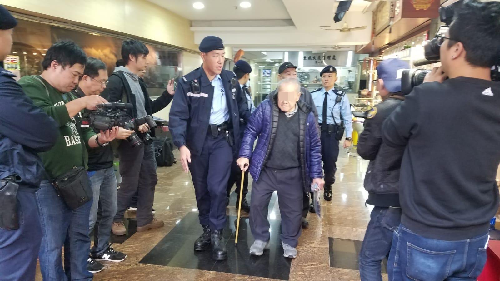 警拘144人,最老91岁。