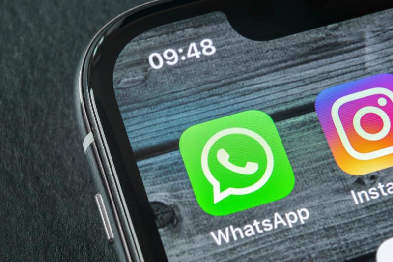 Whatsapp更新了三大新功能,包括「私下回覆」、编辑照片可加贴图、以及即将推出的指纹及Face ID登入。
