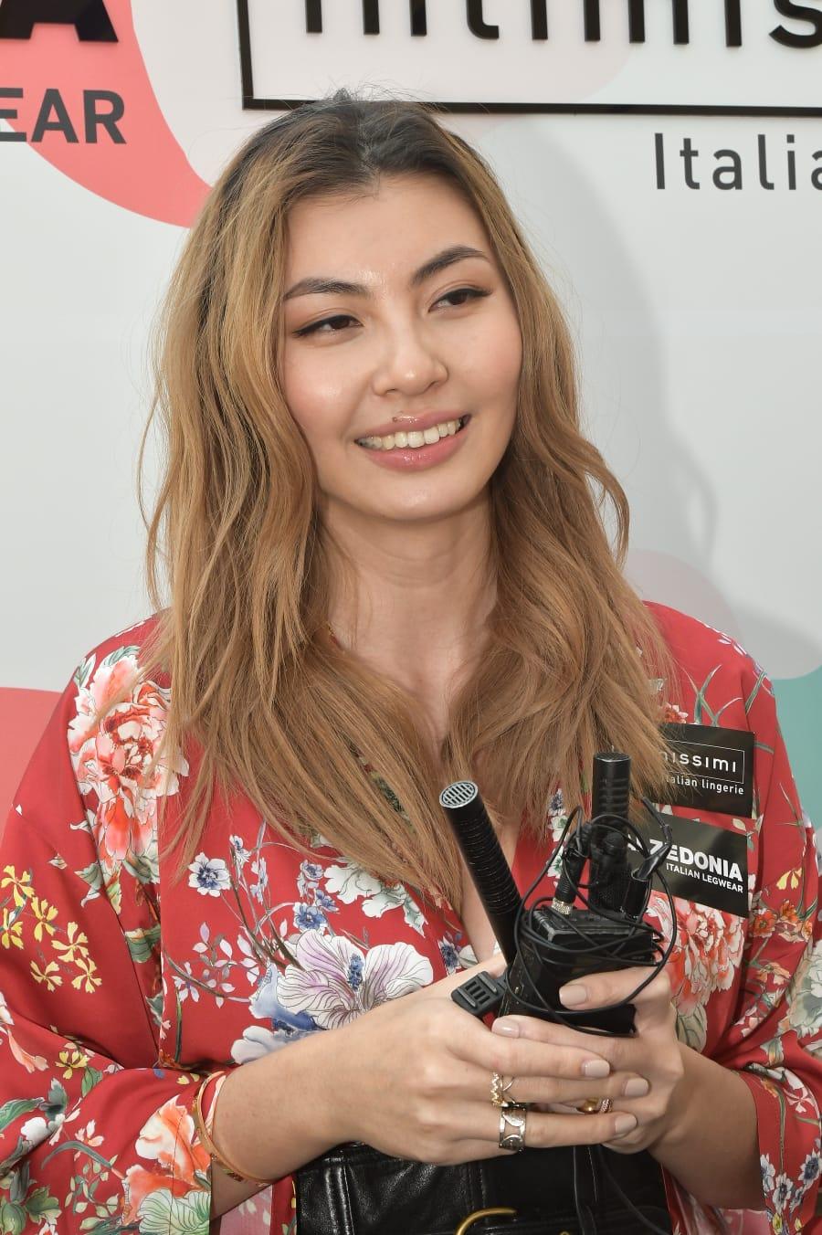 王丽嘉自嘲演技欠佳,将全力当模特儿。