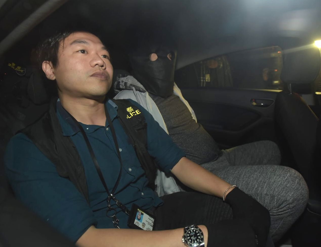 警方拘捕一名男子。