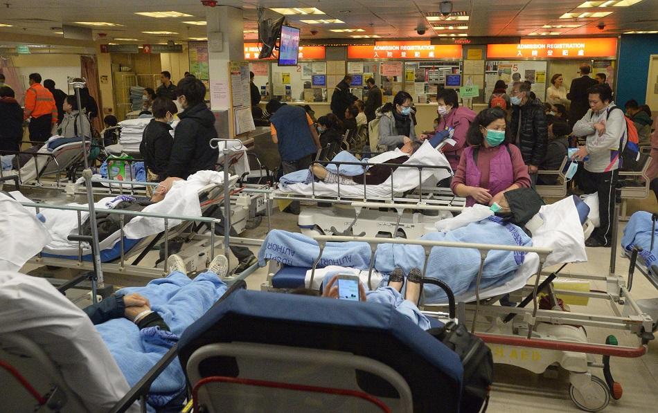 公立醫院急症室及病房壓力沉重。資料圖片
