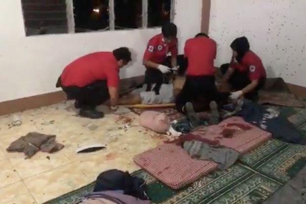菲律宾南部一座清真寺遭到手榴弹袭击,至少两人死亡,四人受伤。