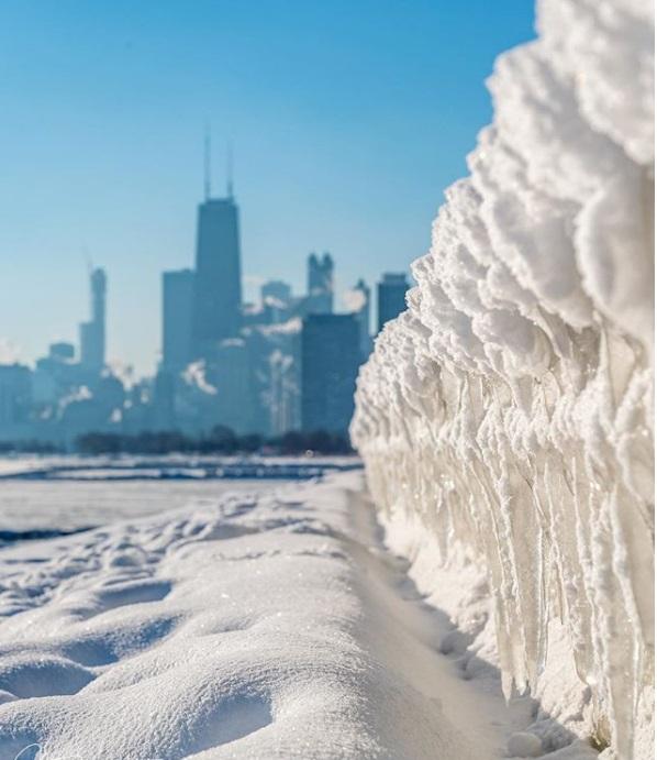 極端寒潮襲美國,芝加哥冰封城市。網上圖片