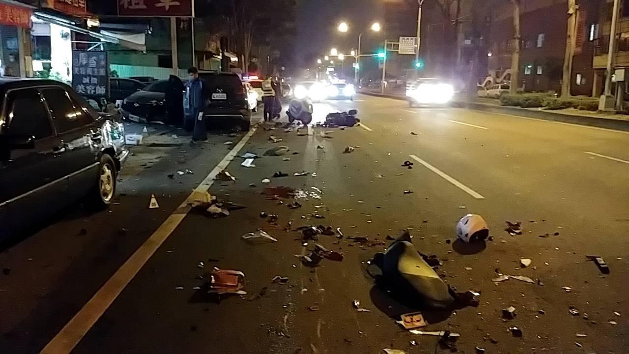 台中發生8車2死車禍。網上圖片