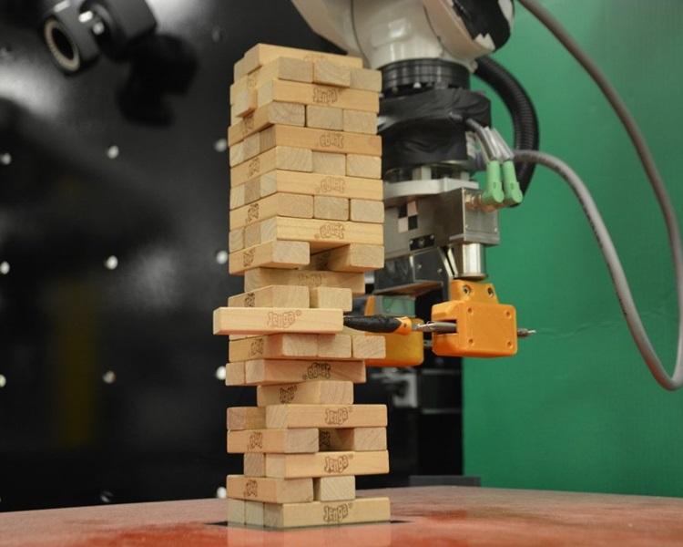 新机械人可视觉及触觉并用,学玩层层叠。网图