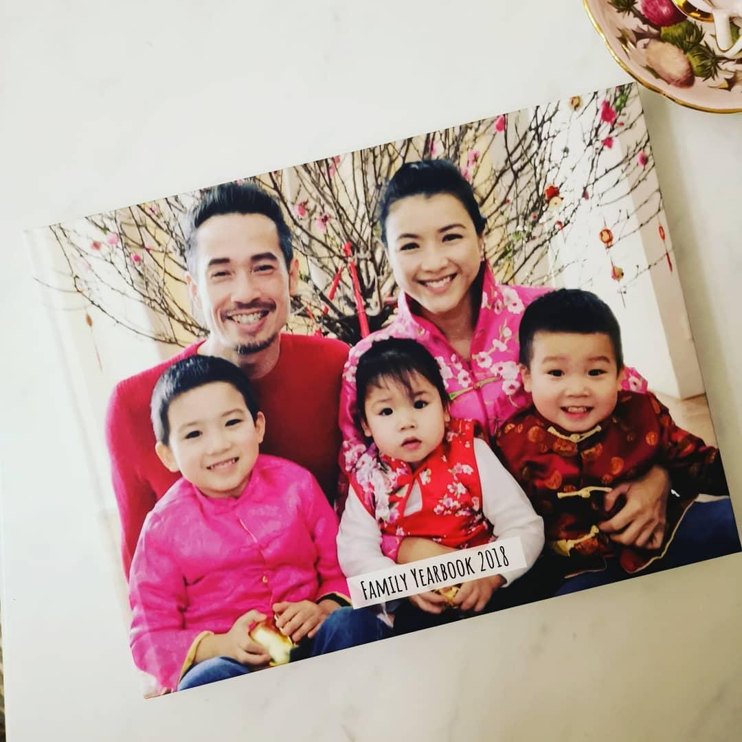 Aimee日前上載的全家福合照。陳茵媺ig