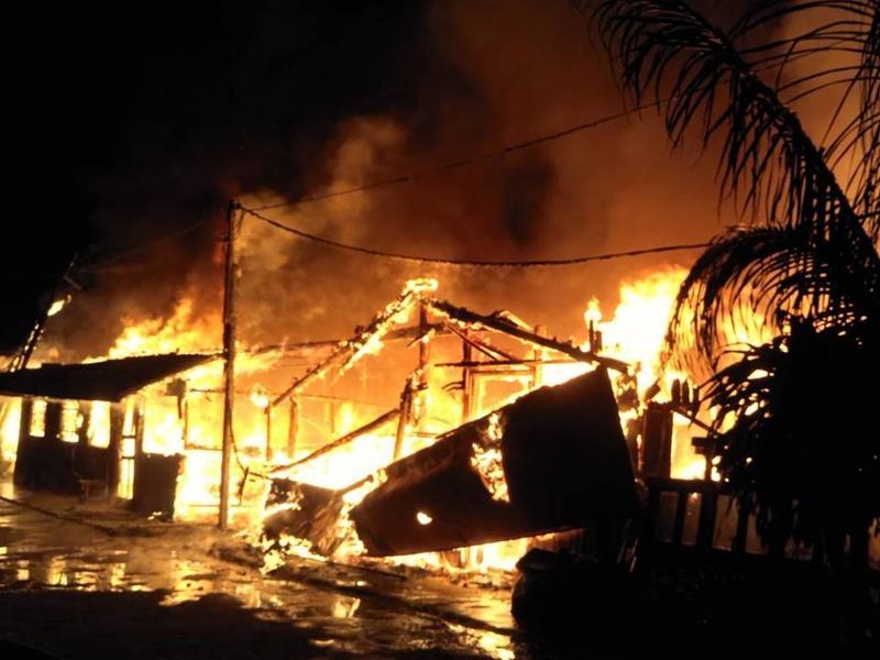 新北市连环火烧3民宅。网图