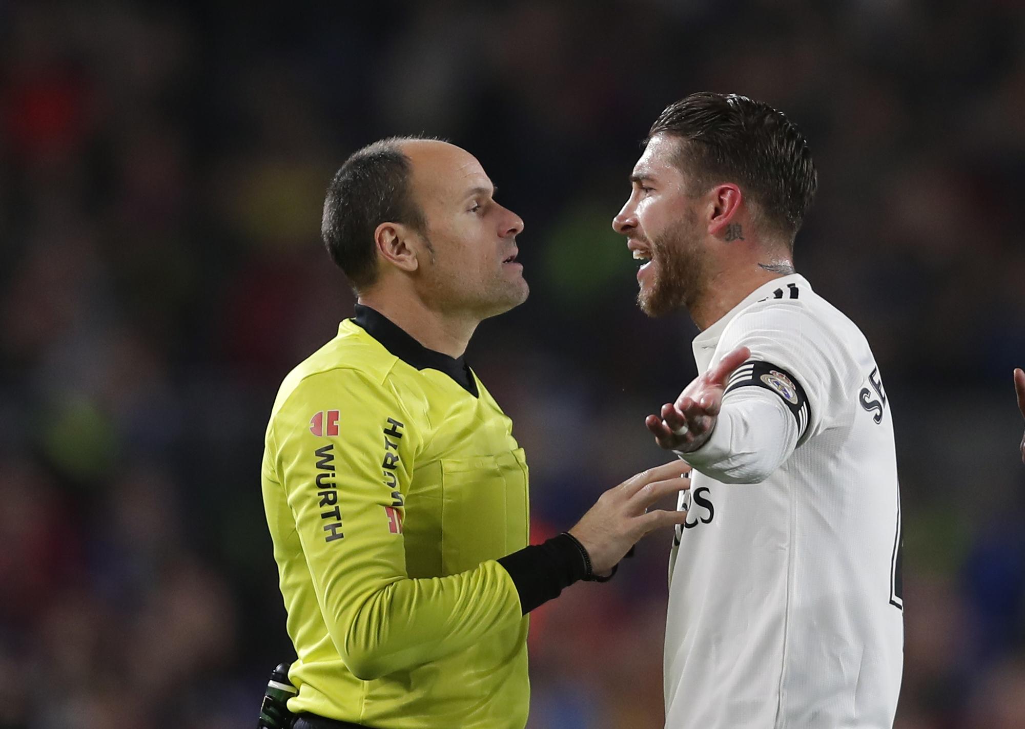 沙治奧拉莫斯(右)就西盃四強首回合被罰的黃牌上訴被駁回。AP