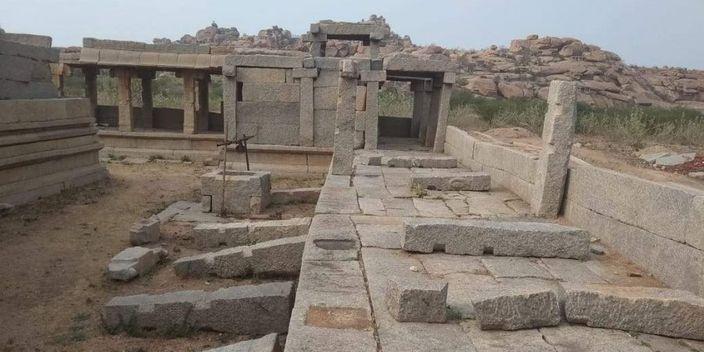 亨比的16世纪的遗址和寺庙。