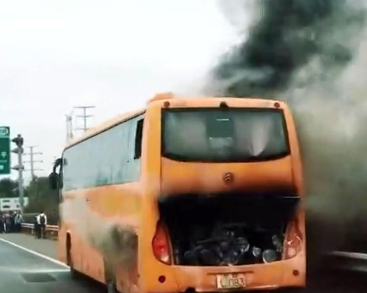 關鍵旅遊一個潮汕3天團,旅遊巴起火爆炸。