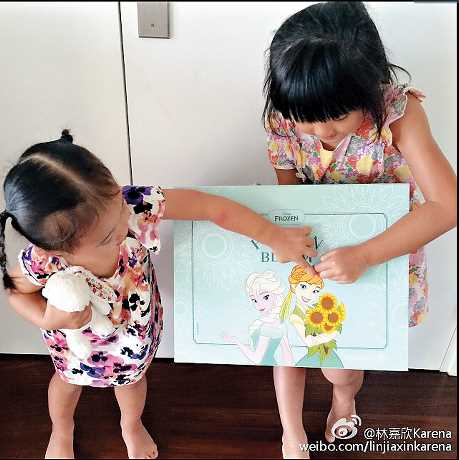 兩個女兒都上學了,林嘉欣多了時間再執筆畫繪本。