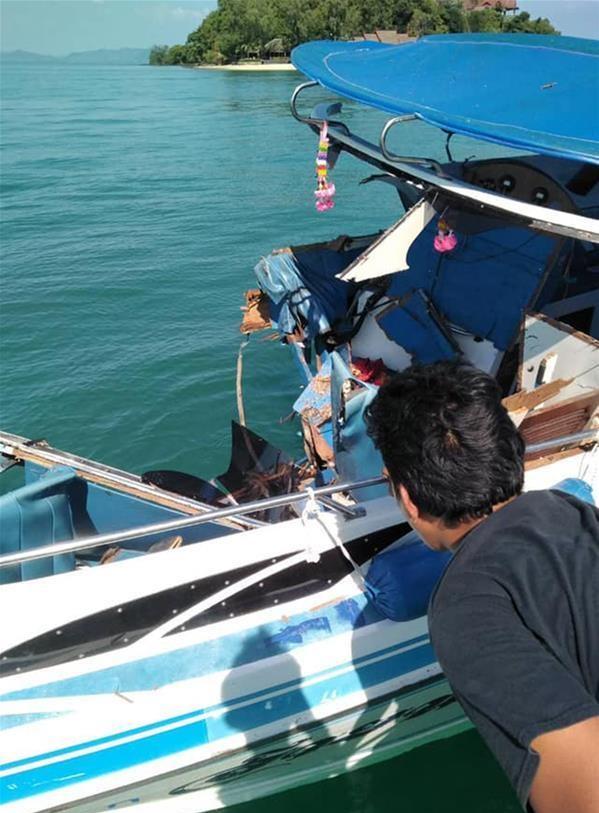 泰国撞船造成11名中国游客伤。新华社图片
