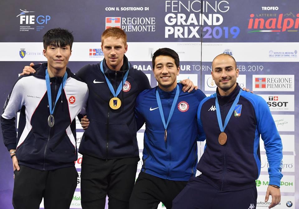 本港劍擊代表張家朗(左一)奪都靈大獎賽男子個人花劍銀牌
