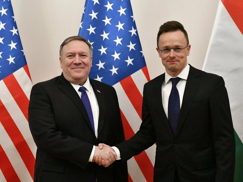蓬佩奧與匈牙利外長西亞爾托會面,達成防衛合作協議。(網圖)