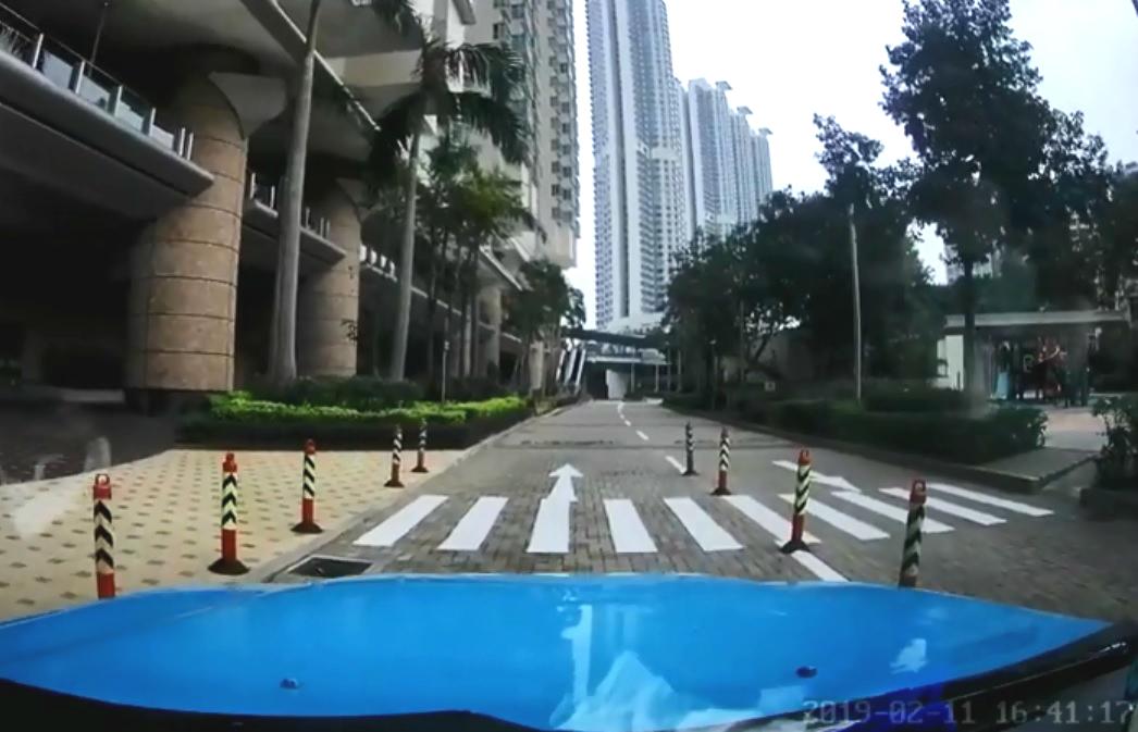 司機獲贈3倍車資。群組「的士司機資訊網 Taxi」網民Steven S.C. Pang