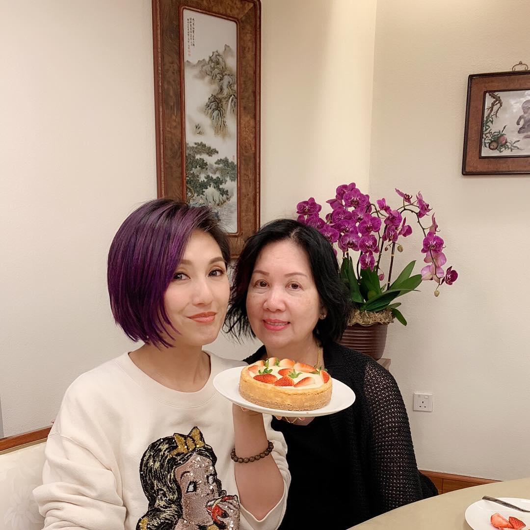 千嬅與媽咪(ig圖片)