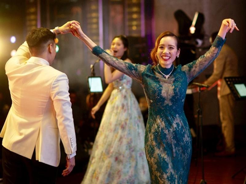 湛琪清婚宴展舞姿。