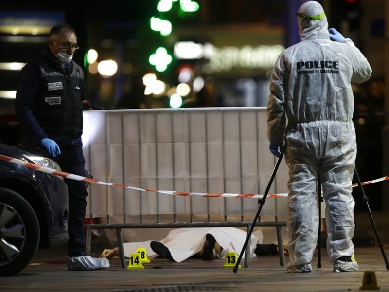 法国男子持刀刺伤四人,被警方开枪击毙。