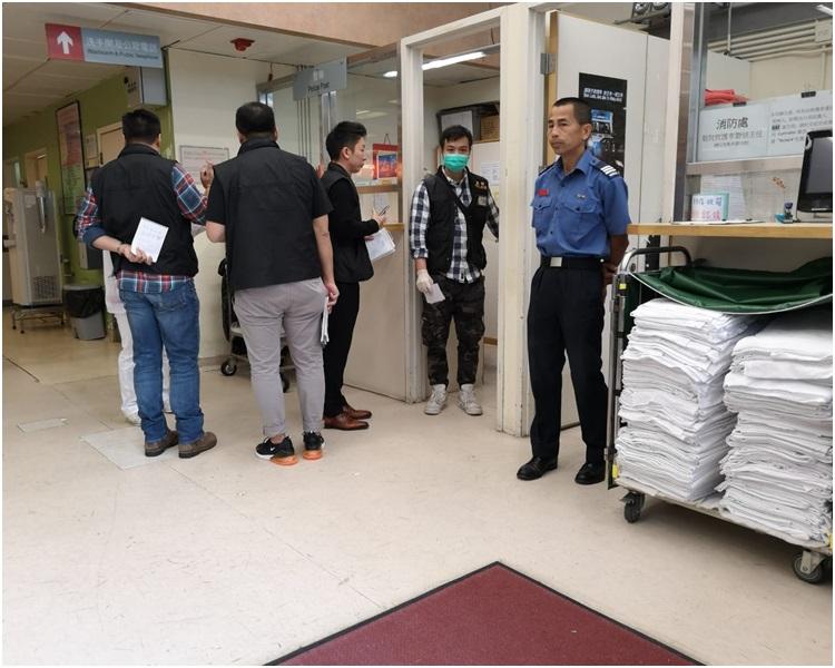 重案組探員到伊利沙伯醫院了解情況。歐陽偉光攝