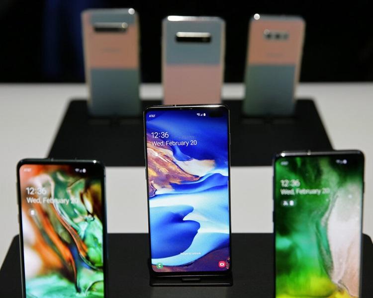 三星推出Galaxy Fold屏幕可摺叠手机。图片