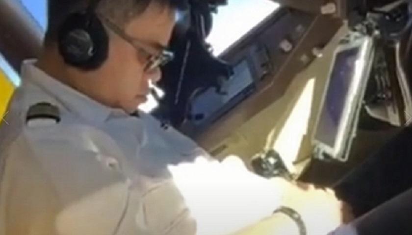 華航總機師被揭駕駛時睡覺。網圖