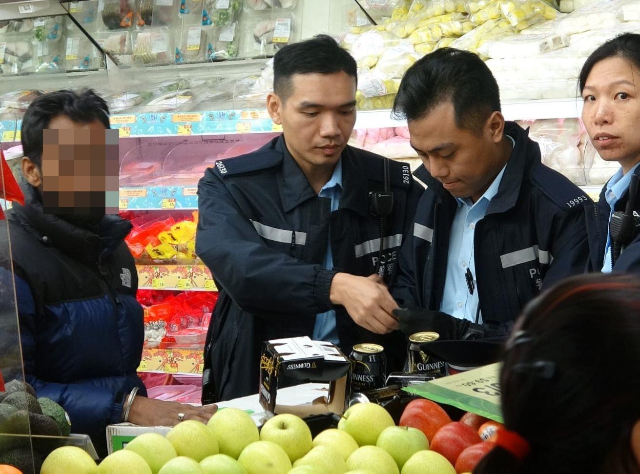 警方接報到場調查,並拘捕該名南亞裔男子。