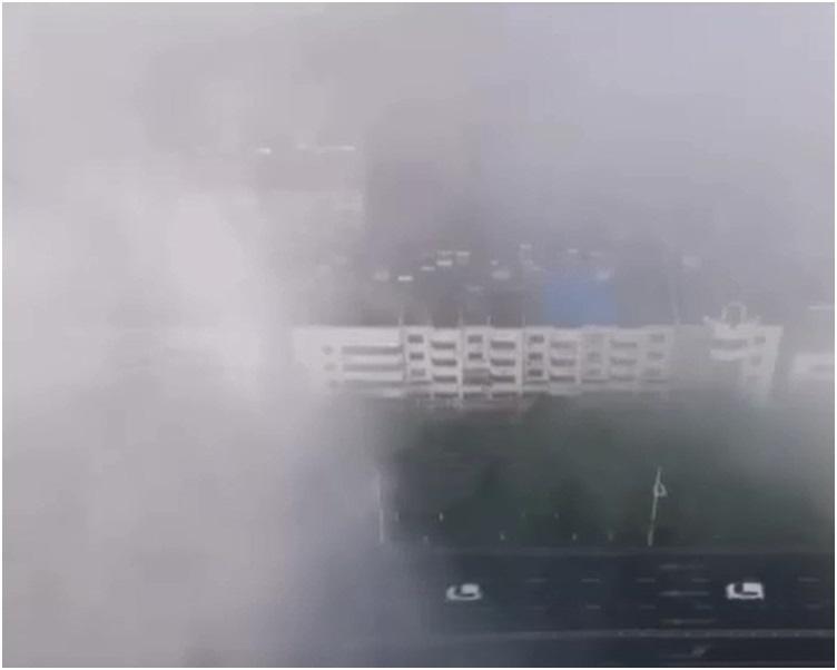 南京镇江及扬州等城市宛如漂浮在云端。网图