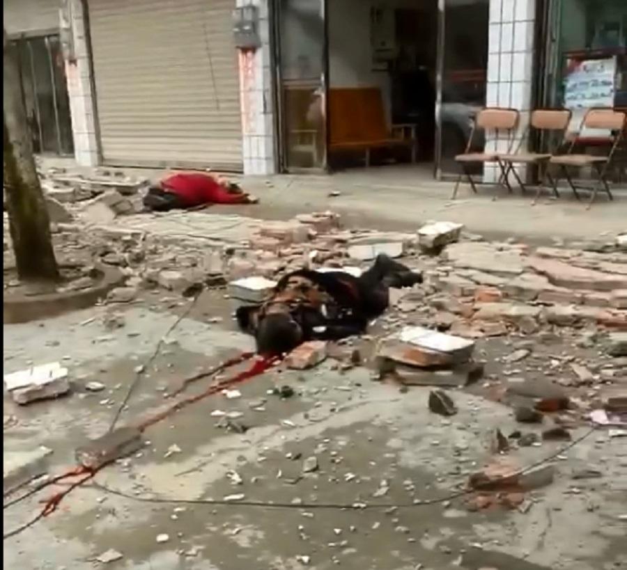 地震中有民眾死亡。網上圖片