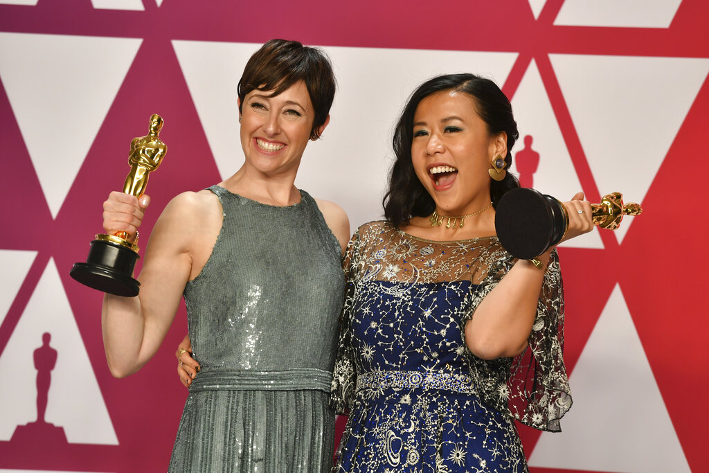 石之予(右)與該片監製Becky Neiman-Cobb。AP圖片