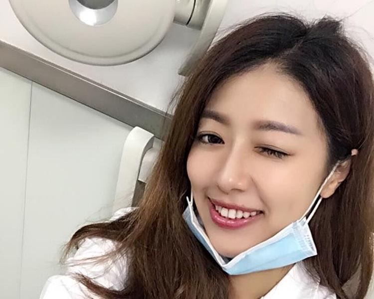 施靖娟因其外貌及时常出席电视节目而大受欢迎。网图